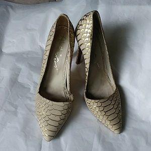 Alice + Olivia Scale Leather Texture Heels 38.5/ 8